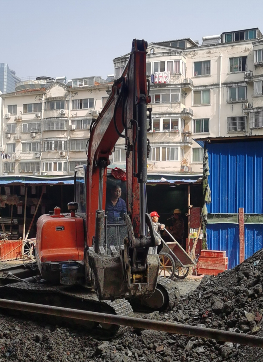 斗山60型小挖机 (1)